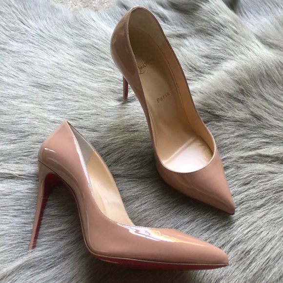 44bf569b227 Christian Louboutin nude patent leather heels 39